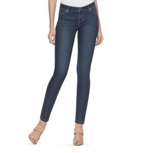 Jennifer Lopez Mid Rise Skinny Jeans.  NWT